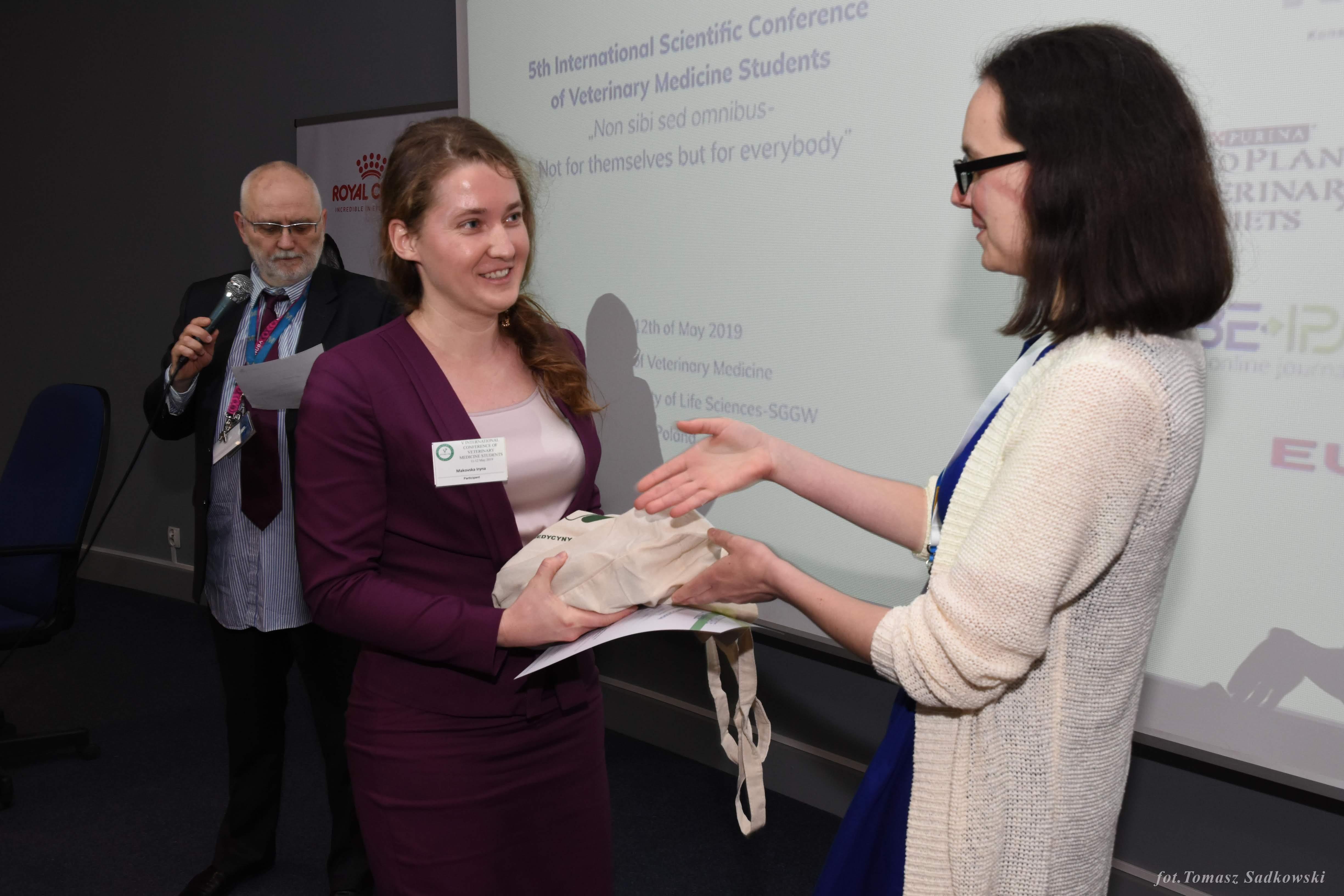 Iryna Makovsk awarded in PhD session