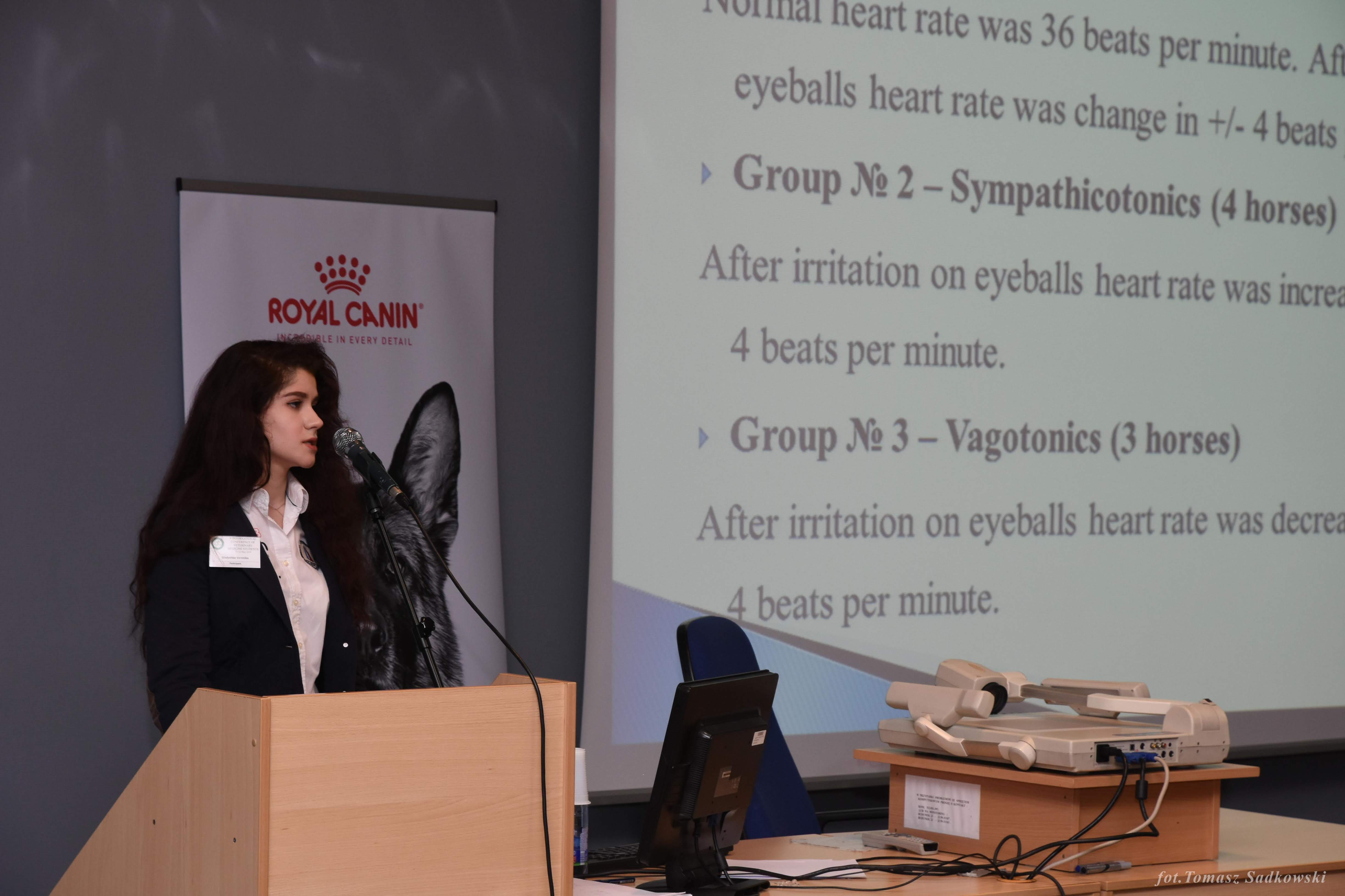 Veronika Gladyshko presenting 'An influence of autonomic nervous system on behavioral reactions of the horses during the trainings in equestrian sport' durinf farm animals session