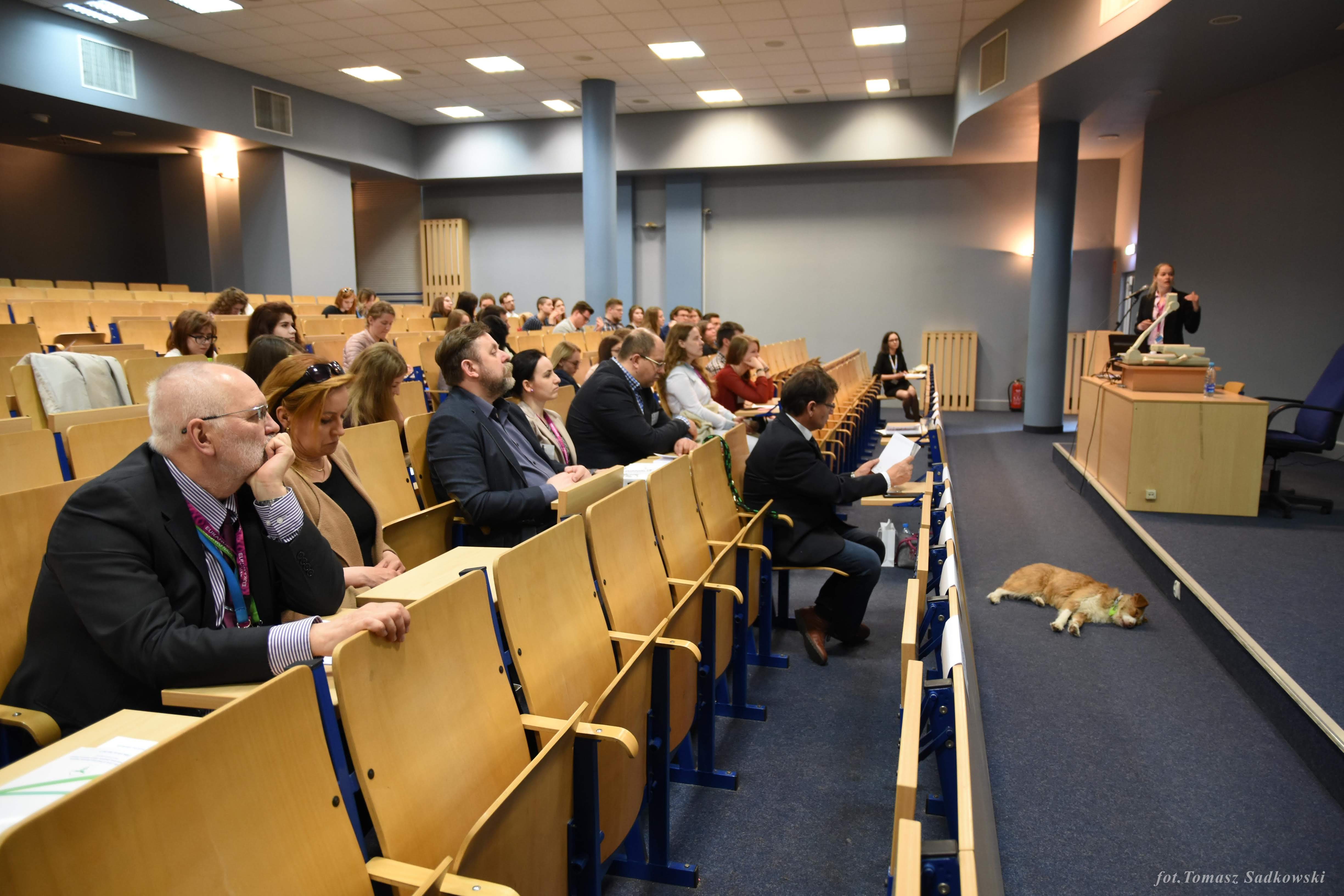 audience during dr Louton's lecture 4